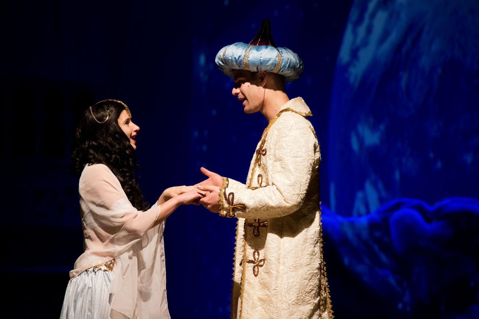 TurayIdaSzinhaz_Aladdin