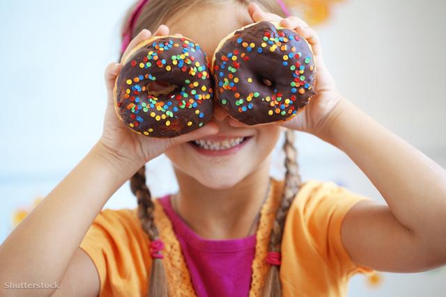 Rossz magyar szokás az ünnepi végtelen zabálás – a sok cukor fogyasztás nagyon káros a gyerekekre nézve
