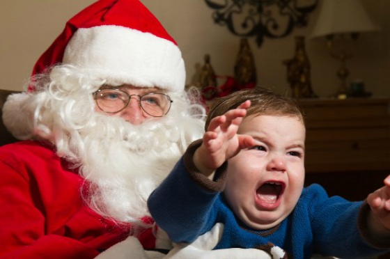 dealing-with-kids-fear-of-santa8393