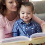 Mese csecsemőkortól: napi tizenöt perc felolvasás két év előnyt jelent a kortársakhoz képest
