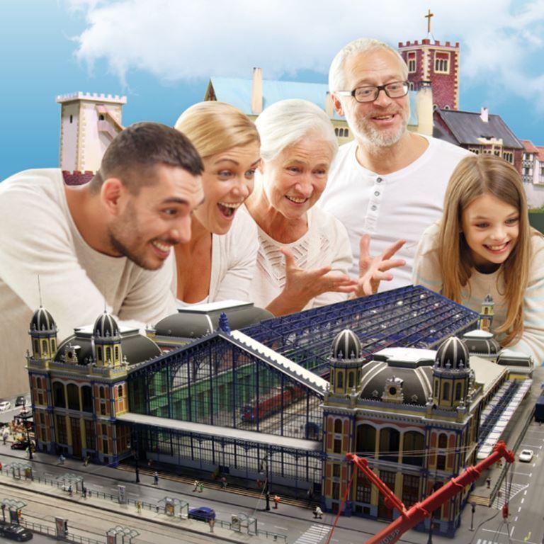 Rekordkísérlet és szülinapi csúcsforgalom a Miniversumban