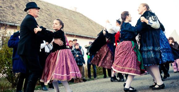 """""""Májusi tánc"""" – családi program a Skanzenben"""