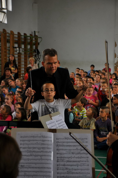"""""""Legyen a zene mindenkié!"""" – a Szolnoki Szimfonikusok közösségi zenei nevelésbe kezdtek"""