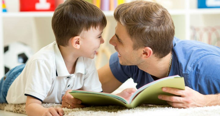 """Ezért fontos, hogy az apa is részt vegyen a gyermeknevelésben, és ne csak """"besegítsen"""" – Mi a modern apák feladata?"""