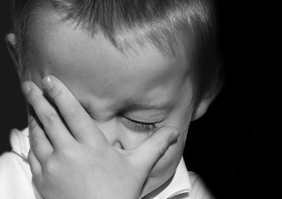 9 ok, amiért a kisbabák folyton zsörtölődő, ideges kisembereknek tűnhetnek
