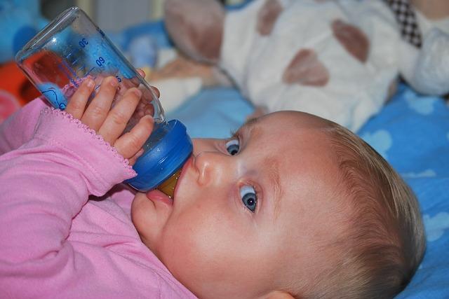 Honnan tudni, hogy eleget iszik-e a baba?
