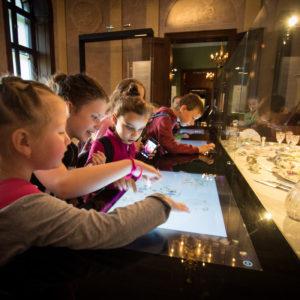 Középkori kavalkáddal és helytörténeti kincsekkel indul útjára a Mozaik Múzeumtúra Roadshow Gyulán
