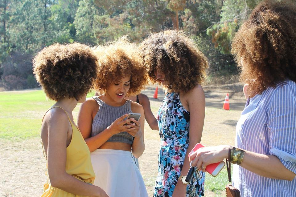 Tari Annamária egyetért az iskolai mobiltilalommal