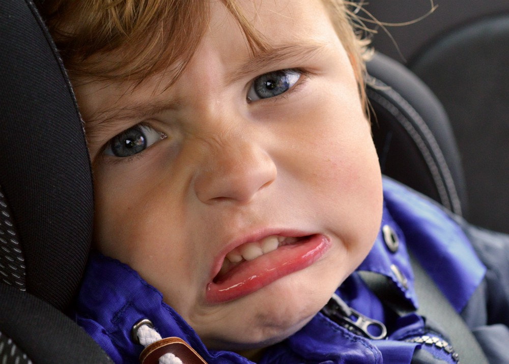 Mit tegyünk, ha a gyermekünk nem szeret autózni?