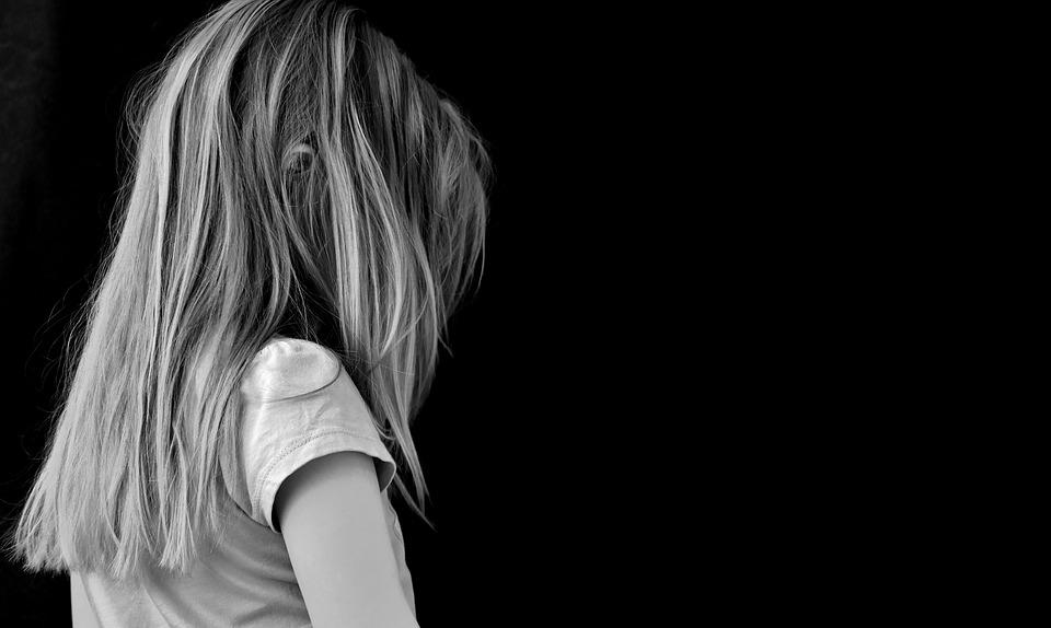 Érzelmileg elhanyagolt generáció – miért bántják egymást egyre durvábban a gyerekek?