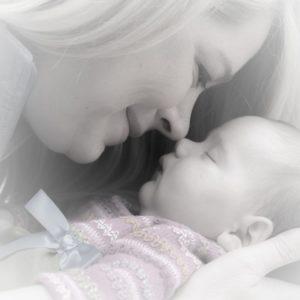 Az anyai és az apai érintés jelentősége