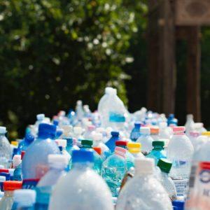 Családi játék a szelektív hulladékgyűjtéssel kapcsolatban