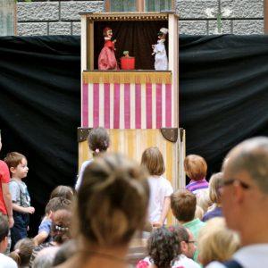 Családi fesztivállal nyitja az évadot a Kolibri Színház