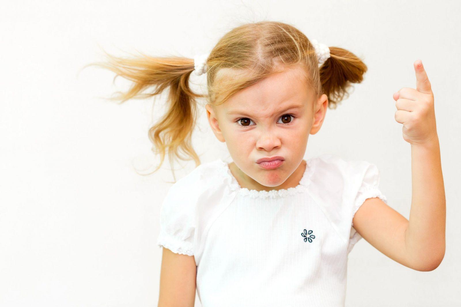 mérges kislány