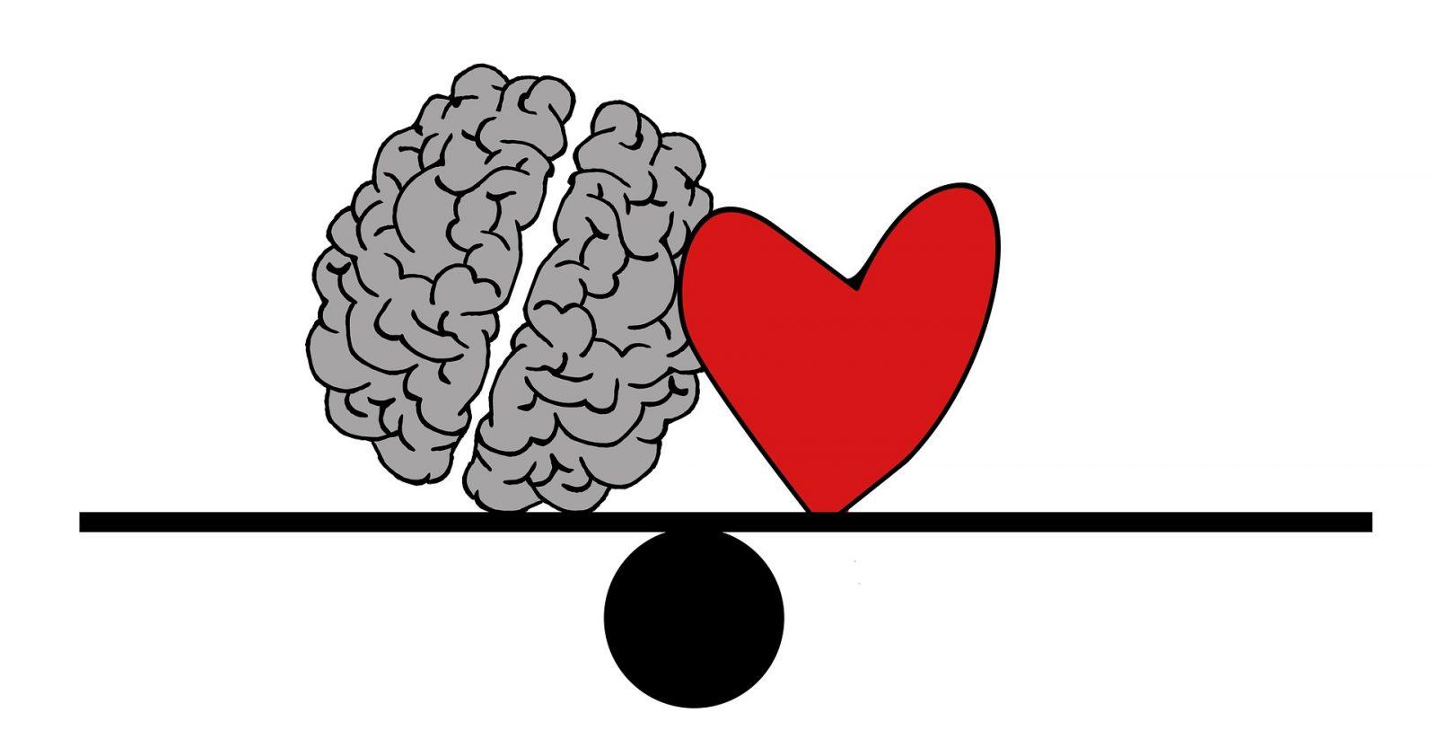 rajz egy agyról é szívről egy mérlegen