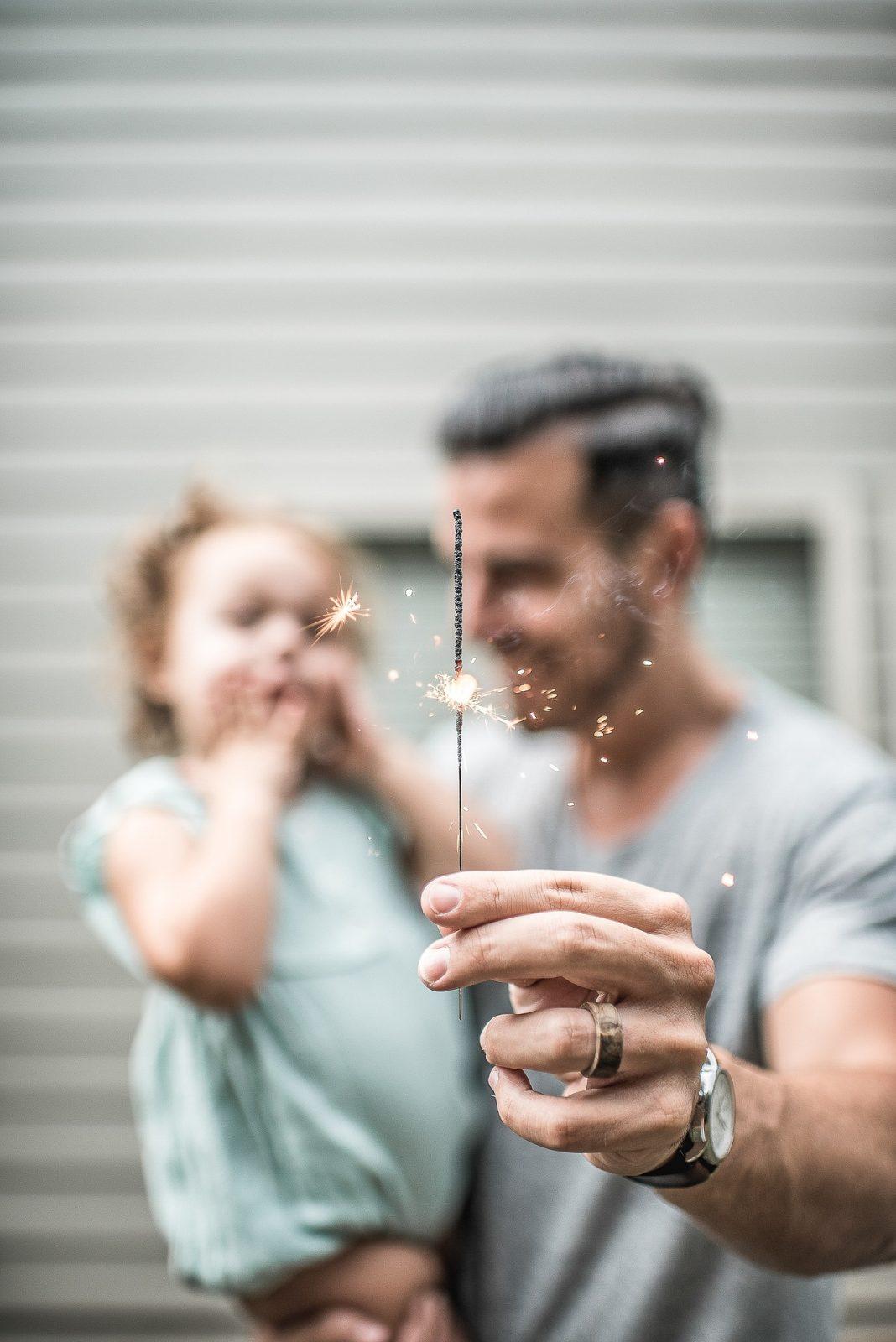 apuka és a kislánya csillagszóróval