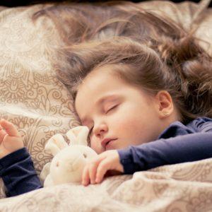 Károsodhat a gyerek agya, ha nem alszik eleget