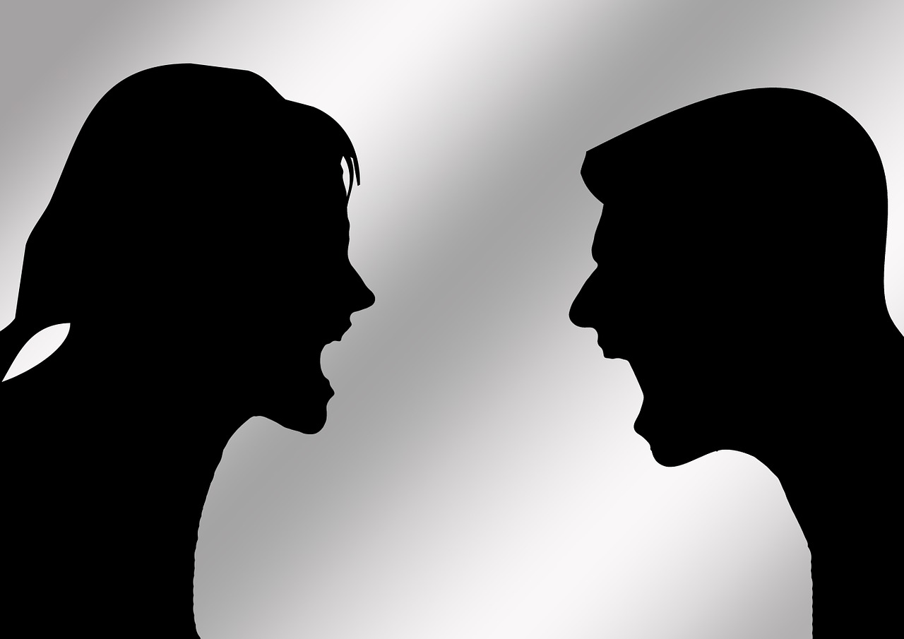 rajz egy vitázó párról