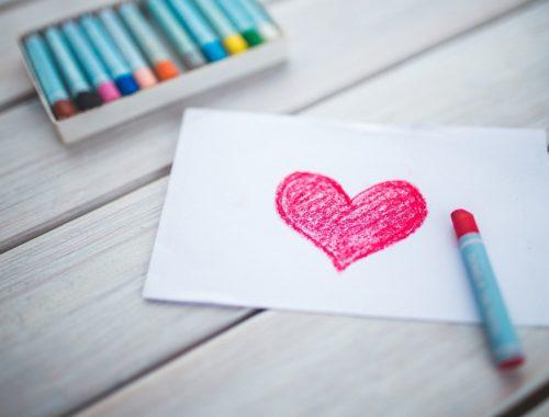 zsírkrétával rajzolt szív