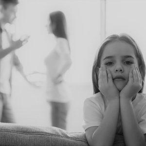 13 jel, hogy mérgező szülővel van dolgod