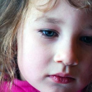 A kikényszerített bocsánatkérés árthat a gyermeknek