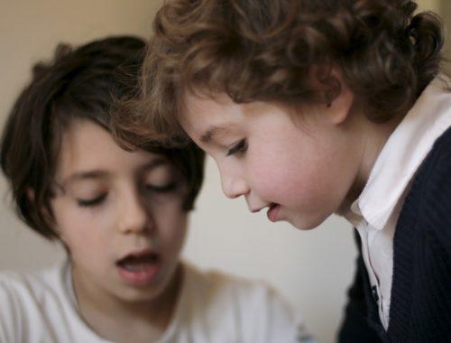 két gyerek