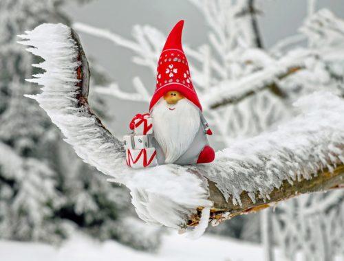 jeges fán mikulásfigura