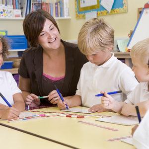"""Alternatív iskolák... és új oktatási """"formák"""" Magyarországon a XXI. század elején"""