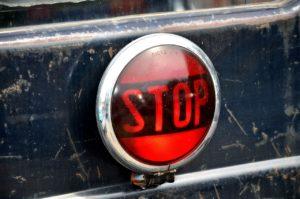 stop gomb