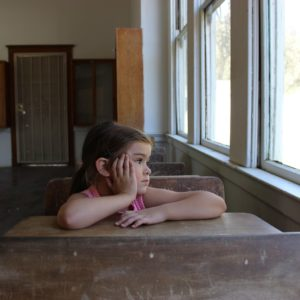 Hogyan élhetik túl a pedagógusok (és segítségükkel a diákok) a tanév végi hajrát?