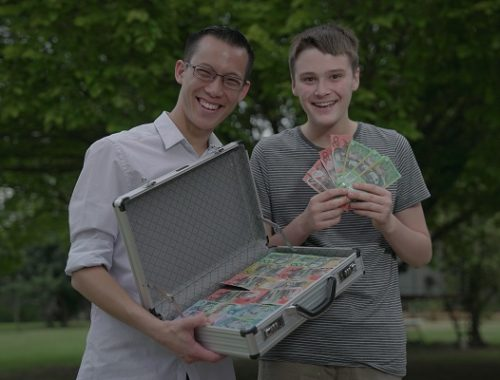bőröndnyi pénz, boldogság, öröm