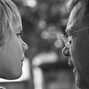 Három a vezetési stílus és egy a ráadás - te hogyan nevelsz gyereket?