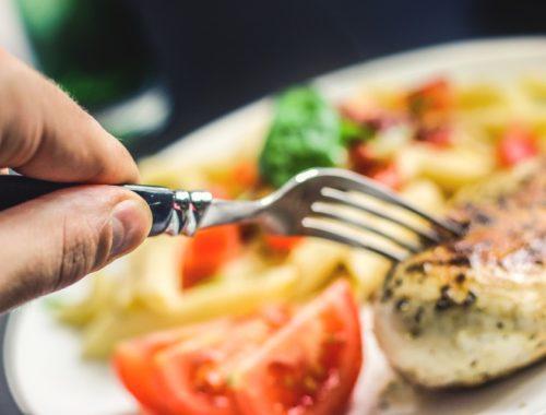 villa hússal és zöldségekkel