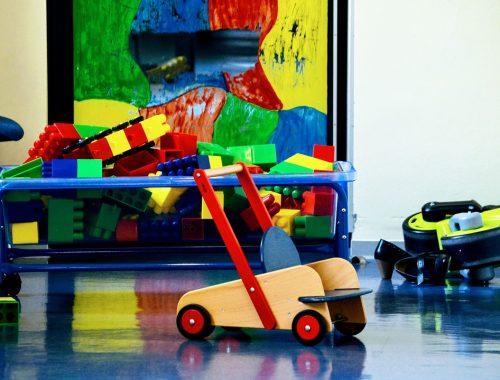 színes játékok
