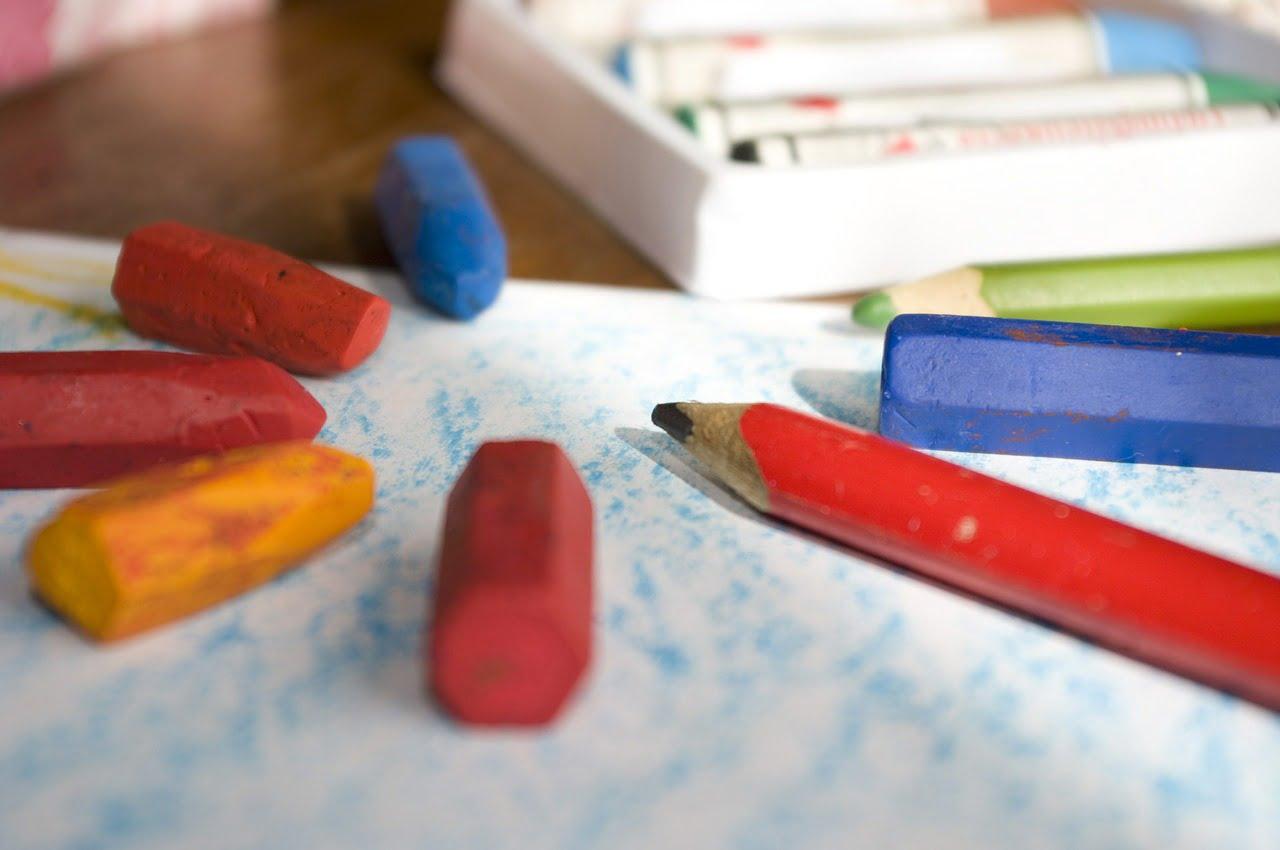 zsírkréták és ceruza