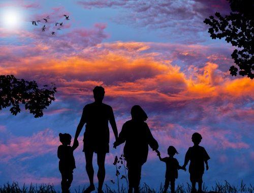 rajz egy családról a Naplementében