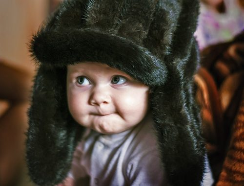 kisbaba usánkában