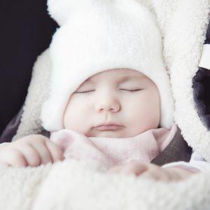 Levegőzés a hűvösebb napokon: tippek a baba öltöztetéséhez