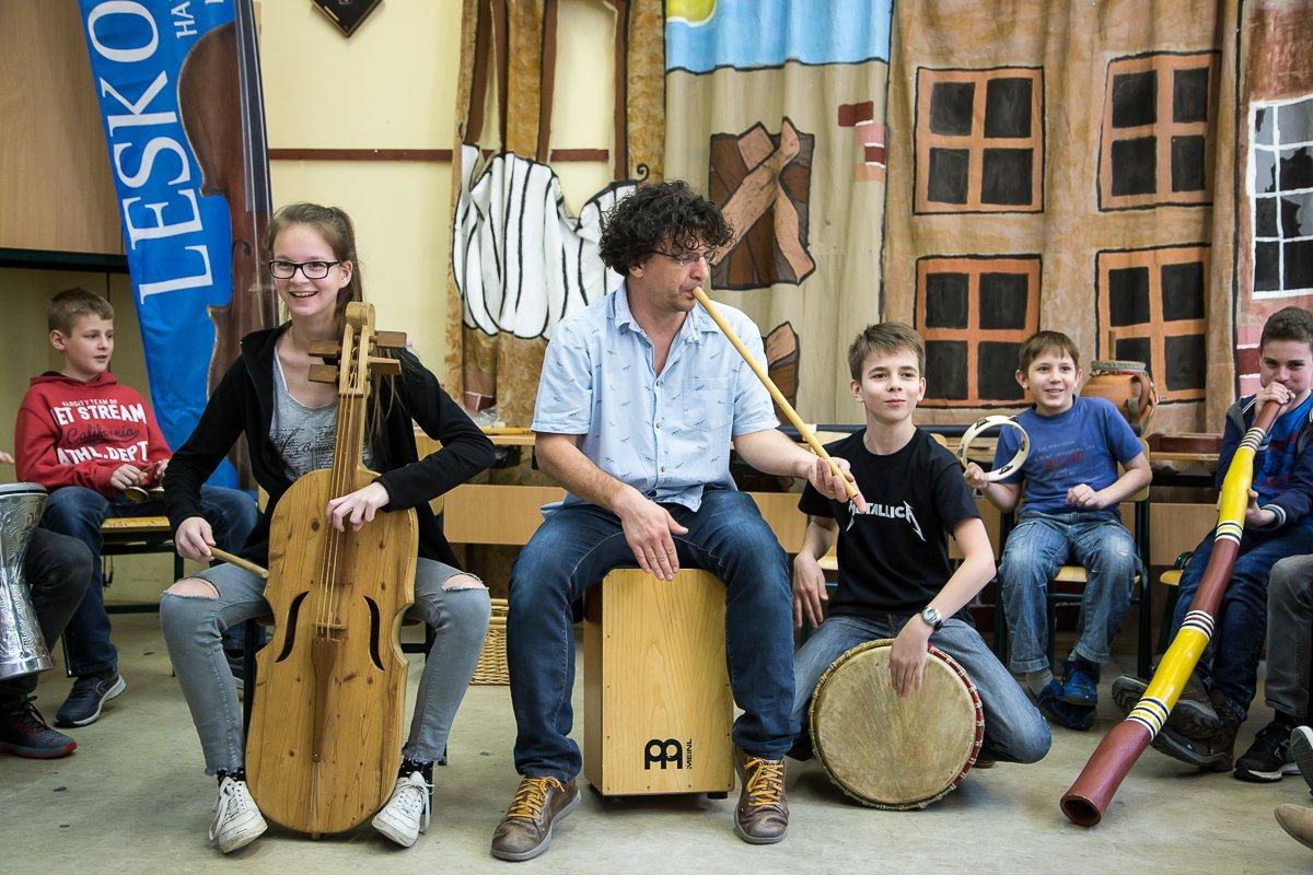 Mozaik Múzeumtúra régi hangszerek gyerekekkel