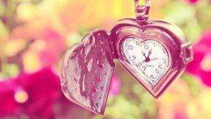 szív alakú óra - az idő és a szeretet