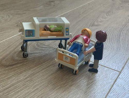 koraszülött LEGO figura
