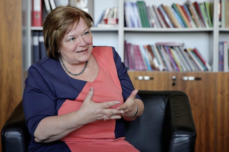 Csépe Valéria interjú közben
