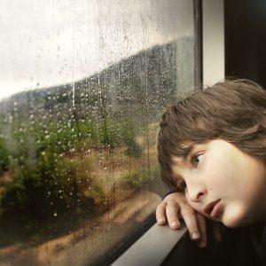 Mi okozhatja a hangulatingadozást, fáradékonyságot, ingerültséget az iskolás gyerekeknél?